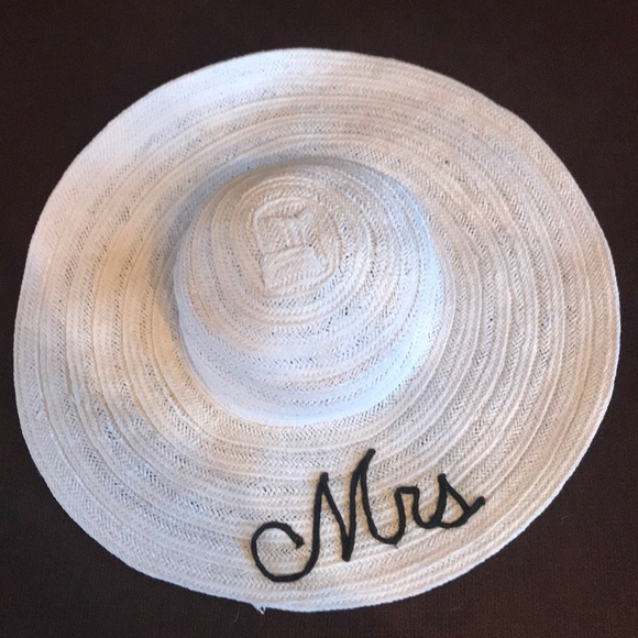 f74e96bdbb55ab Melrose and Market Other | Melrose Market Mrs Newlywed Floppy Hat ...